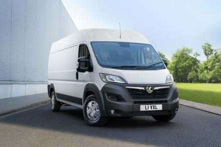 Vauxhall Movano 3500 L2 Diesel Fwd 2.3 Turbo D 135ps H1 Chassis Cab